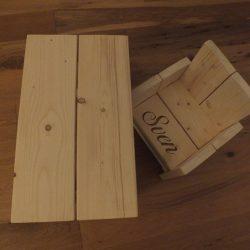 steigerhouten tafel met stoeltje naam