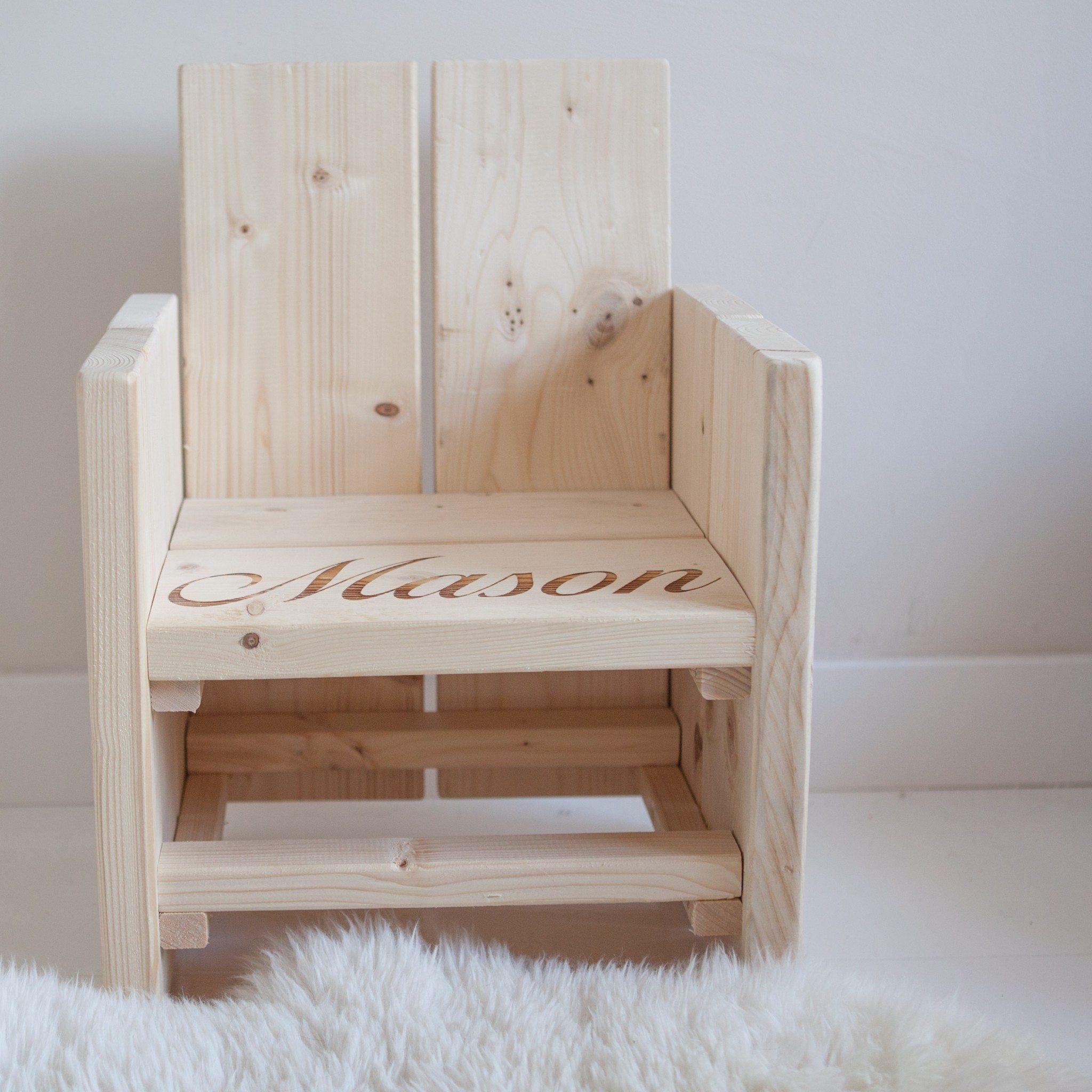 Peuterstoel Met Tafeltje.Steigerhouten Kinderstoel Met Naam In Zitting