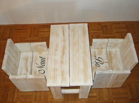 Kinderstoel En Tafel Met Naam.Whitewash Steigerhouten Kinderstoel Met Naam En Bijpassend Tafeltje